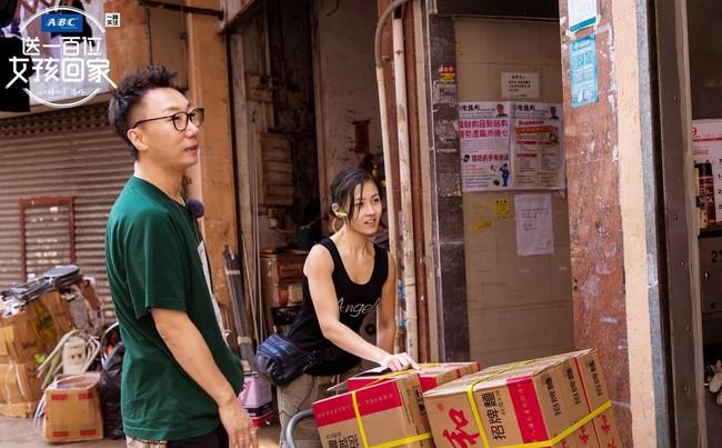 Nữ cửu vạn xinh đẹp thu nhập 50 triệu/tháng và những gian truân của nghề: khuân 60 thùng hàng, mỗi thùng nặng 100kg - Ảnh 6.