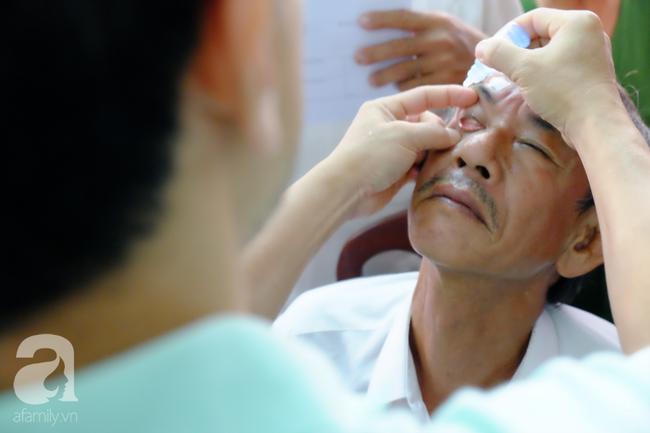 Mắt xuất hiện màng máu: Không ít người Việt mắc căn bệnh này dẫn đến nguy cơ biến dạng tròng đen và giảm thị lực - Ảnh 2.