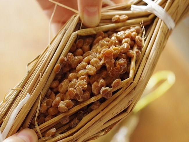 Không chỉ  sushi, tinh hoa ẩm thực Nhật còn có món natto nhơn nhớt kéo sợi, mùi vị khó ăn như đậu phụ thối - Ảnh 3.