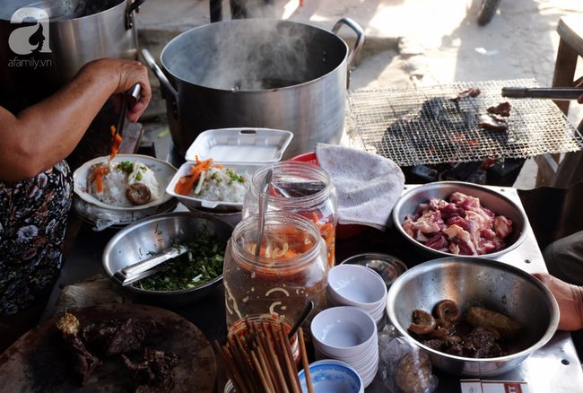 Cơm bò làng Chăm - món ngon nhớ lâu, muốn ăn phải đến trước 8 giờ sáng ở Châu Đốc - Ảnh 3.