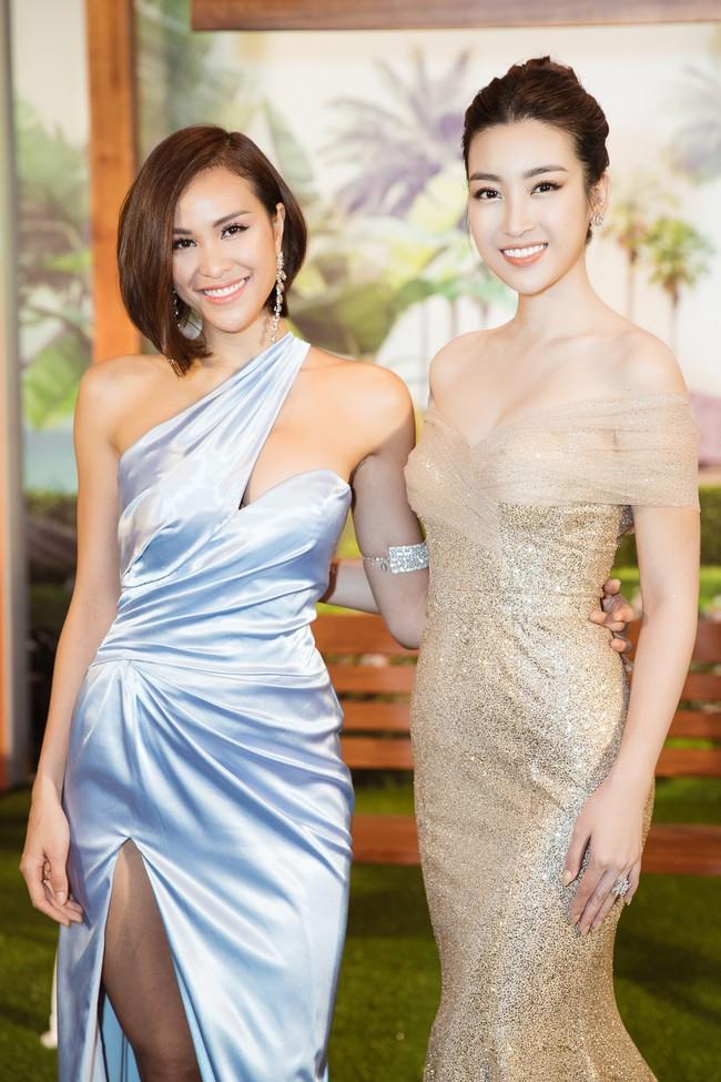 Phương Mai đọ vẻ nóng bỏng bên Hoa hậu Đỗ Mỹ Linh - Ảnh 7.