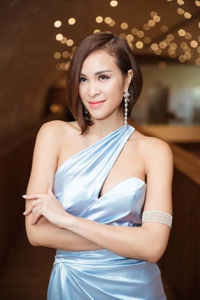 Phương Mai đọ vẻ nóng bỏng bên Hoa hậu Đỗ Mỹ Linh - Ảnh 5.