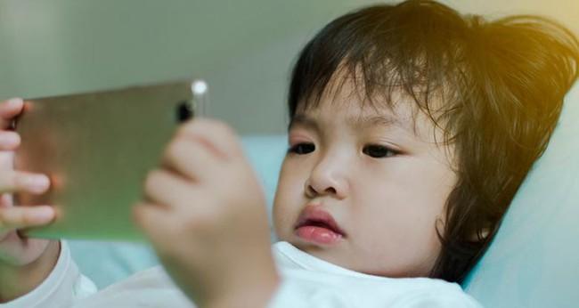 Có 2 hành vi của cha mẹ khiến trẻ chậm nói, cần phải sửa ngay không hối chẳng kịp - Ảnh 2.