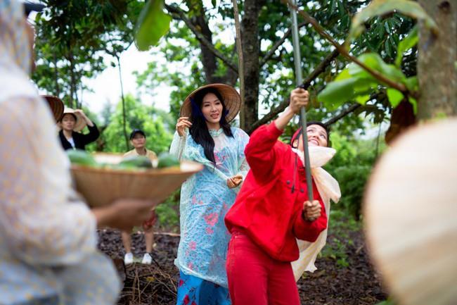 H'Hen Niê cùng Hoàng Thùy về quê làm từ thiện trước khi lên đường đi thi Miss Universe - Ảnh 6.