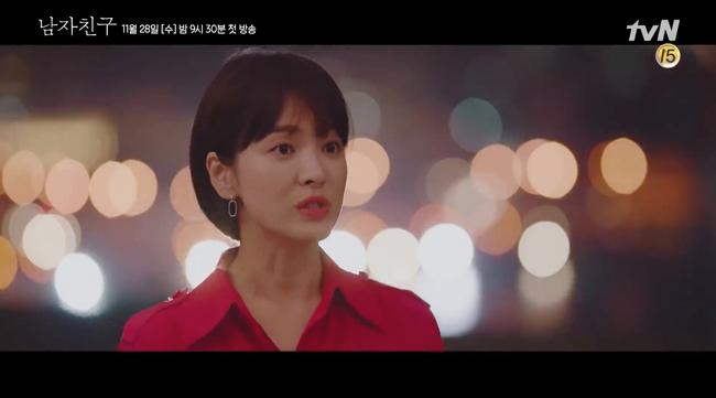 Sau loạt ảnh trắng đen, cuối cùng Song Hye Kyo cũng xuất hiện đầy màu sắc trong teaser phim mới - Ảnh 4.