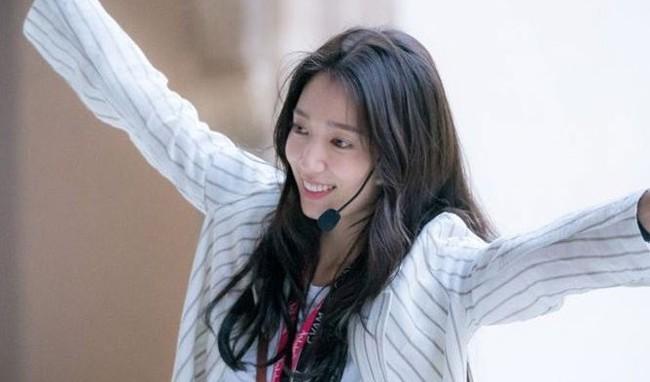 3 lý do khiến phim mới của Park Shin Hye - Hyun Bin khiến khán giả đứng ngồi không yên dù chưa lên sóng - Ảnh 9.