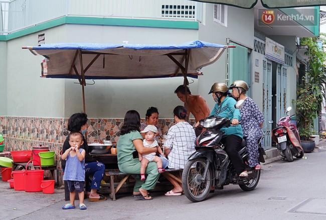 Tiệm ăn hàng 30 năm của dì Gái chịu chơi nhất Sài Gòn, mỗi ngày bán trong 1 giờ là hết veo - Ảnh 12.