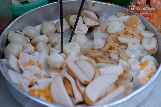 Tiệm ăn hàng 30 năm của dì Gái chịu chơi nhất Sài Gòn, mỗi ngày bán trong 1 giờ là hết veo - Ảnh 7.