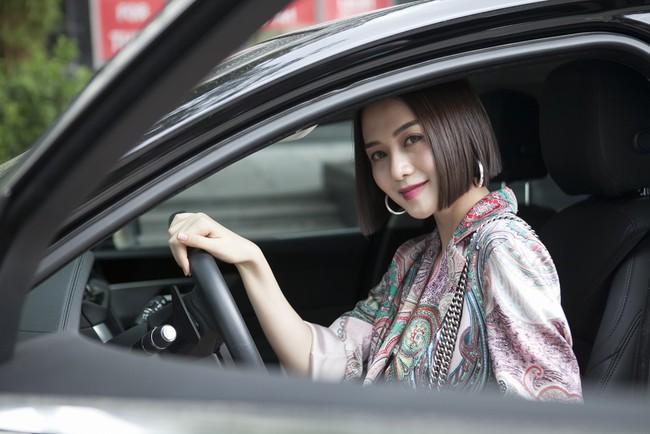 Soobin Hoàng Sơn lần đầu mặc áo đôi, đi sự kiện cùng bạn gái tin đồn  - Ảnh 12.