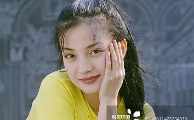 Cách đây 20 năm, vì người đàn ông này mà Triệu Vy quyết định cự tuyệt tình cảm của Huỳnh Hiểu Minh  - Ảnh 3.
