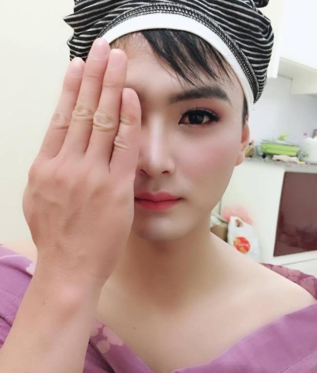 Bức ảnh khi bạn có vợ làm make up và sự thật về anh chồng quyến rũ dưới tay cô vợ phù thủy - Ảnh 1.
