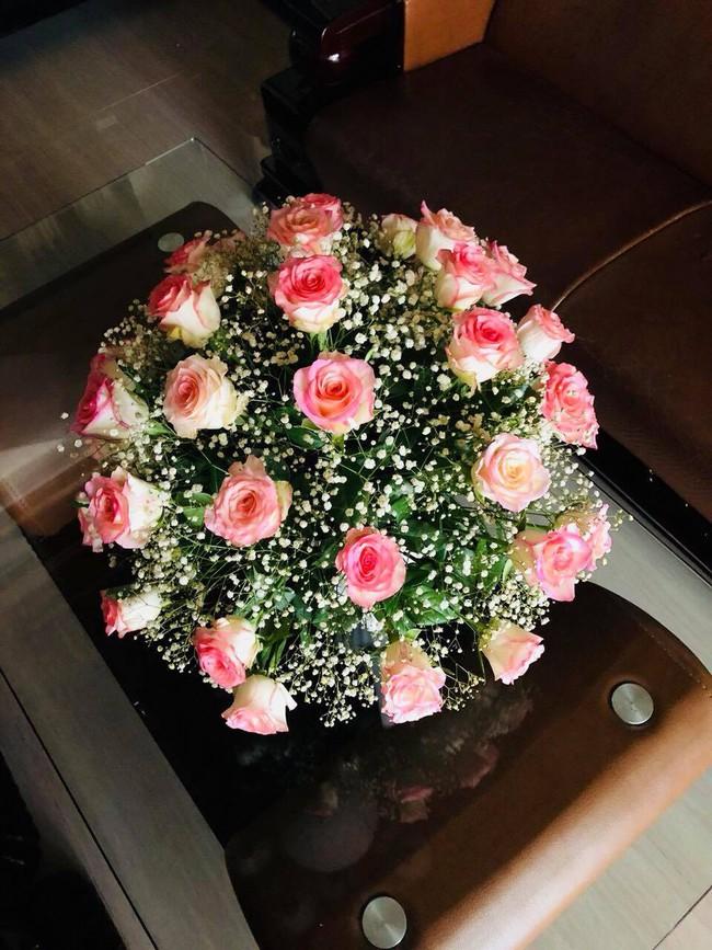 Chưa tới 200k, bà mẹ 2 con mách nước chị em cách cắm những bình hoa tròn đầy mà dễ không ngờ - Ảnh 4.