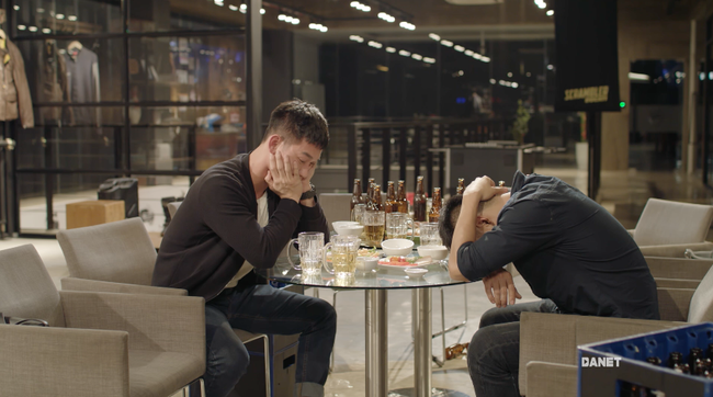 Hậu duệ mặt trời bản Việt: Bộ phim remake hứng chịu nhiều thị phi và gây tranh cãi nhất màn ảnh Việt - Ảnh 4.