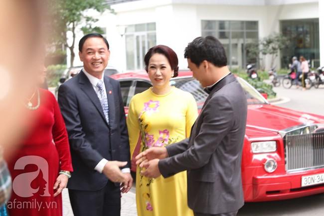 Cuối cùng chú rể của Á hậu Thanh Tú lộ diện, hóa ra lại là đại gia quen mặt đình đám trong giới doanh nhân Việt Nam - Ảnh 7.