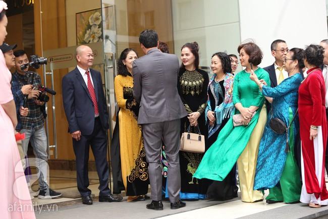 Cuối cùng chú rể của Á hậu Thanh Tú lộ diện, hóa ra lại là đại gia quen mặt đình đám trong giới doanh nhân Việt Nam - Ảnh 6.