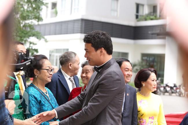 Cuối cùng chú rể của Á hậu Thanh Tú lộ diện, hóa ra lại là đại gia quen mặt đình đám trong giới doanh nhân Việt Nam - Ảnh 5.