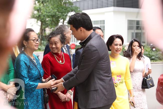 Cuối cùng chú rể của Á hậu Thanh Tú lộ diện, hóa ra lại là đại gia quen mặt đình đám trong giới doanh nhân Việt Nam - Ảnh 4.