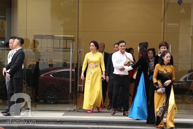 Cuối cùng chú rể của Á hậu Thanh Tú lộ diện, hóa ra lại là đại gia quen mặt đình đám trong giới doanh nhân Việt Nam - Ảnh 9.