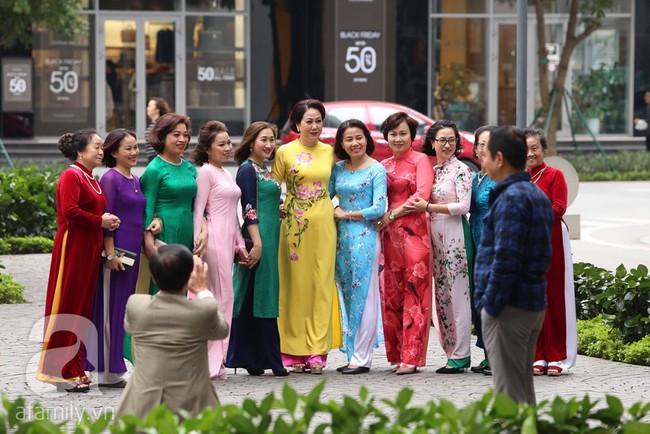 Cuối cùng chú rể của Á hậu Thanh Tú lộ diện, hóa ra lại là đại gia quen mặt đình đám trong giới doanh nhân Việt Nam - Ảnh 8.