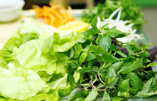 Chuyên gia chỉ mặt top thực phẩm có nguy cơ nhiễm sán cao nhất phải chú ý khi ăn - Ảnh 5.
