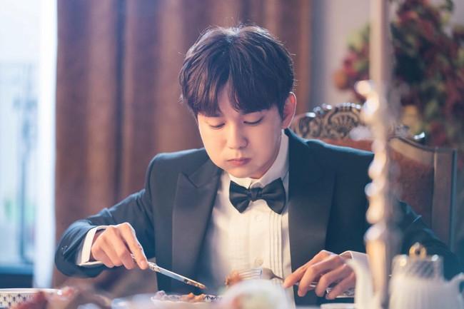 Yoo Seung Ho lại đốn tim fan khi trưng ra loạt biểu cảm đáng yêu thế này - Ảnh 1.