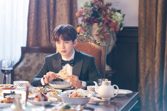 Yoo Seung Ho lại đốn tim fan khi trưng ra loạt biểu cảm đáng yêu thế này - Ảnh 4.