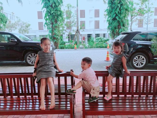 Lý Hải vắng nhà, Minh Hà than một mình chăm 4 con mệt đến mức muốn bất tỉnh nhân sự - Ảnh 4.