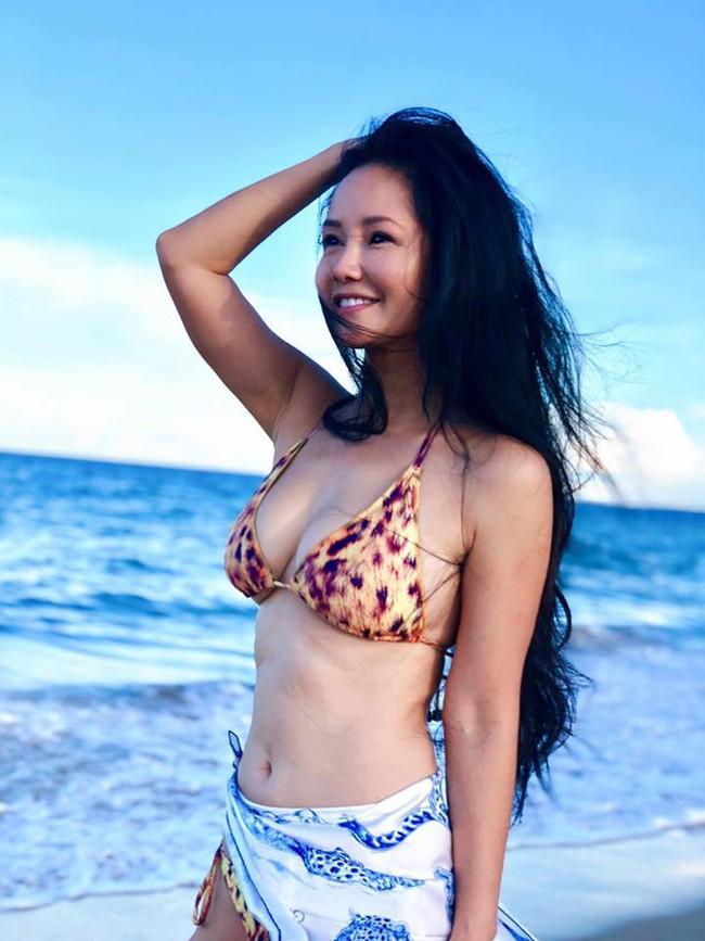 Bao nhiêu chị em 20 tuổi dám tự tin đọ dáng với U50 Hồng Nhung sau khi nhìn bức ảnh này? - Ảnh 2.