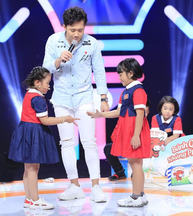 Trấn Thành cười tít mắt khi vợ Hari Won được cô bé 8 tuổi khen xinh đẹp - Ảnh 8.