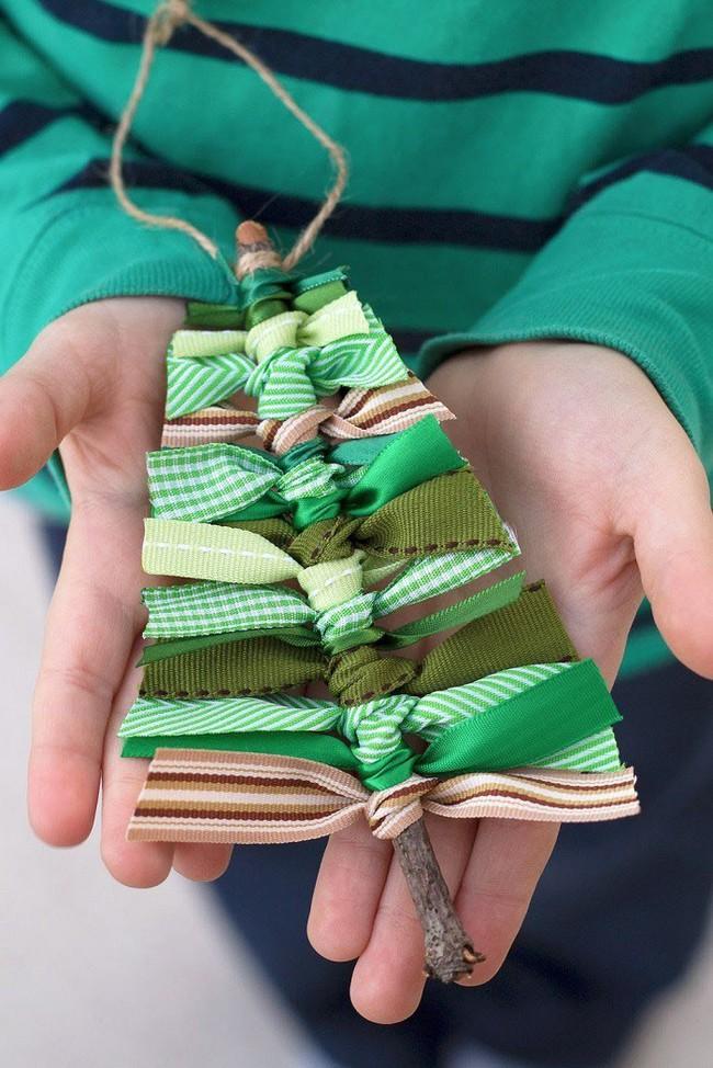 Mách chị em những món đồ handmade dễ thương, dễ làm để trang trí cây thông giúp ngôi nhà rực rỡ ngày Giáng sinh - Ảnh 1.