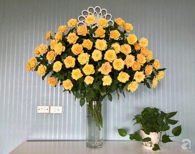 Mẹ đảm Hà Thành chia sẻ bí quyết cắm bình hoa kiểu rẻ quạt hoặc quả cầu không dùng xốp vẫn đẹp  - Ảnh 14.