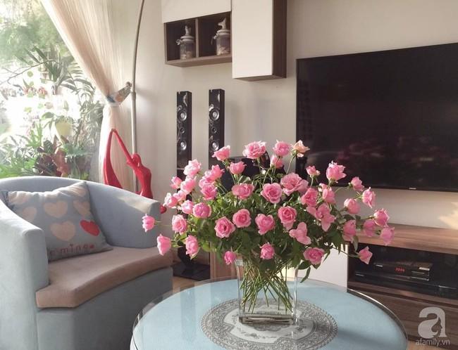 Mẹ đảm Hà Thành chia sẻ bí quyết cắm bình hoa kiểu rẻ quạt hoặc quả cầu không dùng xốp vẫn đẹp  - Ảnh 7.