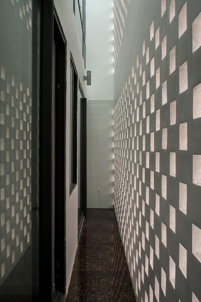 Cận cảnh ngôi nhà có ruộng bậc thang ngay mặt tiền đạt nhiều giải thưởng kiến trúc lớn ở Hà Tĩnh - Ảnh 10.
