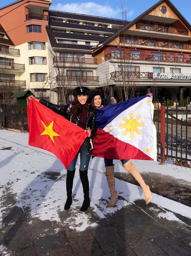 Bỏ qua ồn ào bị đồn mua giải, Minh Tú giơ cờ Việt Nam đầy tự hào ở Miss Supranational - Ảnh 5.