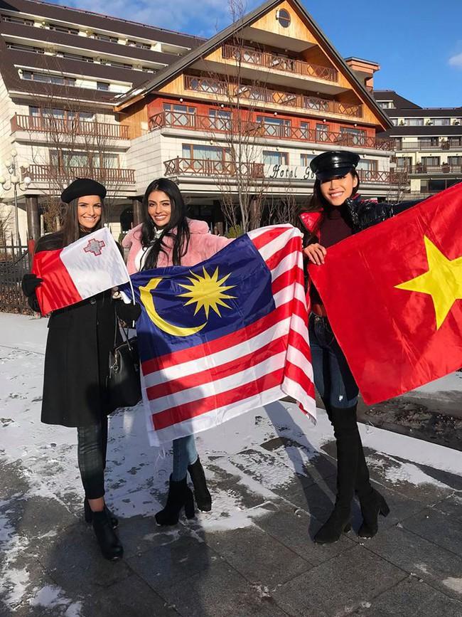 Bỏ qua ồn ào bị đồn mua giải, Minh Tú giơ cờ Việt Nam đầy tự hào ở Miss Supranational - Ảnh 7.