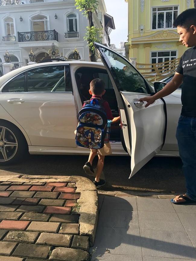 Cuộc sống của những cô chiêu, cậu ấm nhà sao Việt: Ở biệt thự triệu đô, học phí mỗi năm lên đến hàng trăm triệu - Ảnh 12.