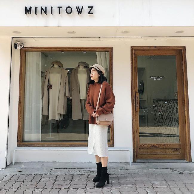 Muốn mặc đâu chuẩn đấy trong tiết trời se lạnh, bạn chỉ việc copy 10 công thức street style xuất sắc từ loạt hot girl Việt - Ảnh 3.