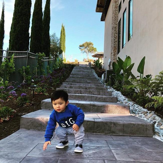 Cuộc sống của những cô chiêu, cậu ấm nhà sao Việt: Ở biệt thự triệu đô, học phí mỗi năm lên đến hàng trăm triệu - Ảnh 9.