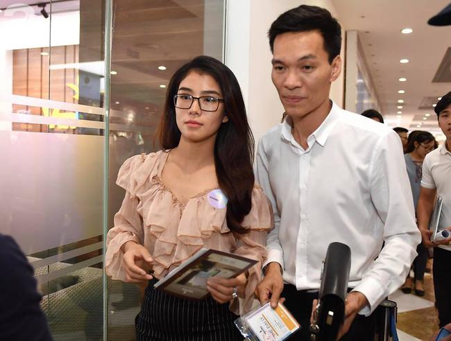 Hà Nội: Hàng ngàn dân công sở cùng các cặp vợ chồng trẻ ùn ùn đổ về xem căn hộ mẫu của VinCity  - Ảnh 9.