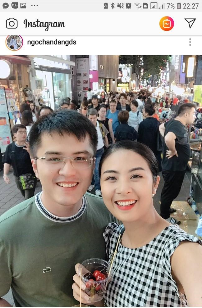 Hoa hậu Ngọc Hân bất ngờ khoe ảnh bạn trai lâu năm, không ngờ lại là người đàn ông này - Ảnh 1.