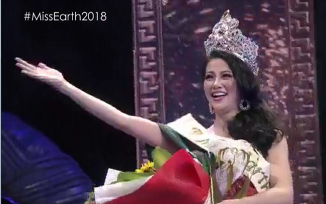 Cận cảnh khoảnh khắc Nguyễn Phương Khánh òa khóc khi MC xướng tên đạt ngôi vị Hoa hậu Trái Đất 2018  - Ảnh 1.