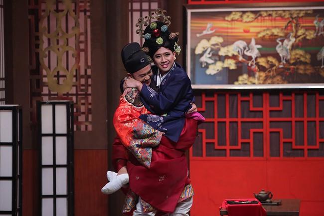 Sau khi cưới Nhã Phương, Trường Giang từ chối đóng vai ôm ấp các người đẹp showbiz  - Ảnh 4.