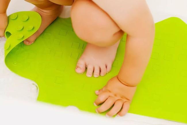 30 nguyên tắc an toàn bố mẹ cần nhớ giúp trẻ tránh hiểm họa khôn lường từ những vật dụng quen thuộc - Ảnh 11.