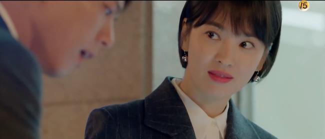 Chỉ vì hành động này của Song Hye Kyo mà Park Bo Gum tủm tỉm cười mãi dù cô đã đi xa - Ảnh 9.