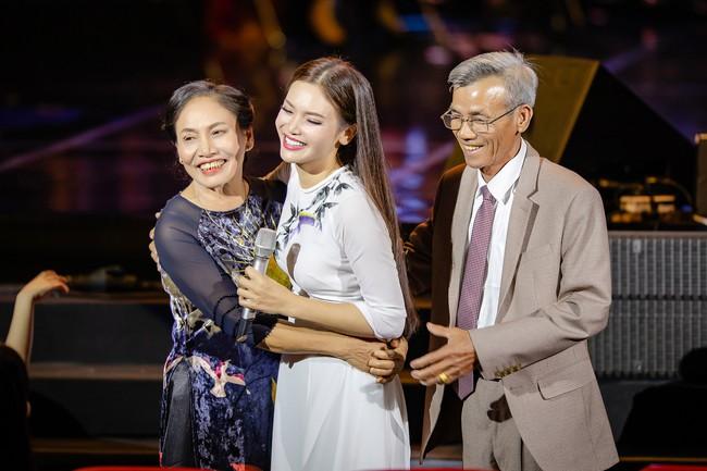 Phạm Phương Thảo cùng Thanh Lam, Trọng Tấn khiến khán giả cay mắt, hân hoan trong liveshow kỷ niệm 20 năm ca hát - Ảnh 10.