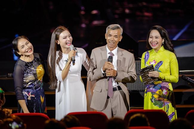Phạm Phương Thảo cùng Thanh Lam, Trọng Tấn khiến khán giả cay mắt, hân hoan trong liveshow kỷ niệm 20 năm ca hát - Ảnh 11.