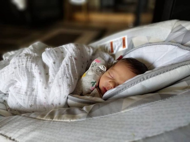 Nụ hôn thần chết đã cướp đi sinh mạng hàng loạt bé sơ sinh: Cảnh báo cao về việc Đừng hôn trẻ!  - Ảnh 1.