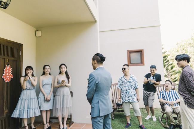 Bí mật của chiếc váy cưới và khoảnh khắc first look hạnh phúc ở đám cưới chất phát ngất do cô dâu tự tay trồng - Ảnh 4.