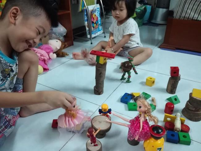 Học lỏm mẹ Hà Nội biến nhà thành bãi chiến trường, sáng tạo muôn vàn trò chơi cho con  - Ảnh 17.