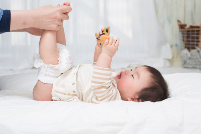 Bé 4 tháng tuổi tử vong do bị hăm tã và đây là cách xử lý khi trẻ bị hăm - Ảnh 2.